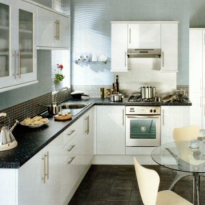 Glendevon White Kitchen From Howdens Joinery The Glendevon