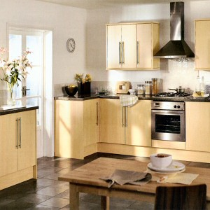 Greenwich Beech Kitchen From Howdens Joinery The Greenwich