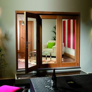 Pattern 20 Vista Pre Finished Oak Folding Doors