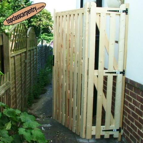 Bifold Gate image