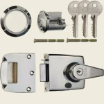 60mm Polished Chrome Double-Locking Nightlatch